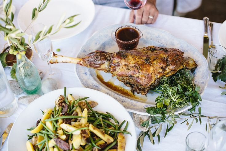 Gabriëlskloof launched its winter Sharing Sundays: from May to the end of August 2017 @ R300pp. Think cooking that is wholesome and bounteous; rich and saucy; flavourful and colourful; opulent and infinitely gratifying - this is comfort food done magnifique. It is food to be enjoyed together.