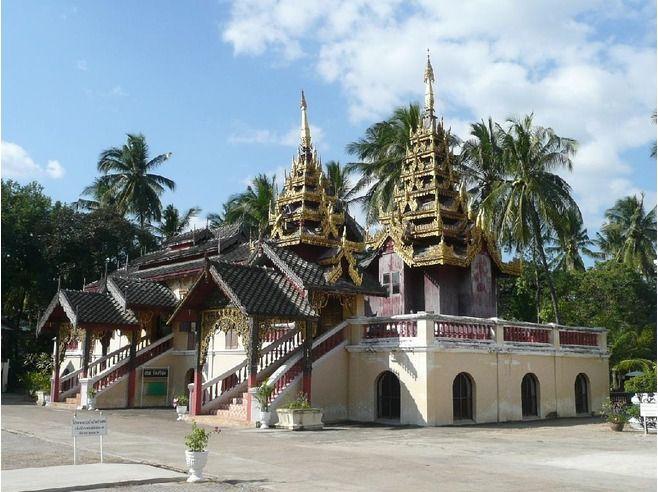 Wat Sri Chum - Thailand