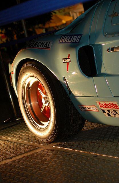 Gulf Ford GT40 repinned by www.BlickeDeeler.de