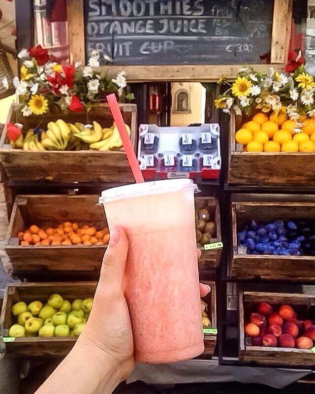 Pose smoothie dans Florence 🍓🍎🍌🍍🍑