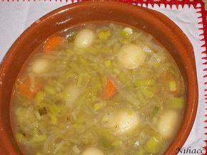 Purrusalda o porrusalda (caldo de puerro, en euskera) es un plato típico del País Vasco, cuyo principal ingrediente es el puerro. 2 puerros 1 patata 1 zanahoria (opcional) 3 vasos agua 1 cucharada …