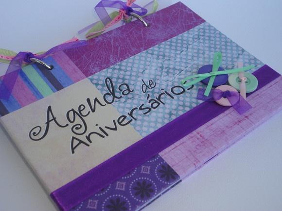 """Agenda de Aniversários com """"capa dura"""", confeccionada em Papel Opalina 240g utilizando a técnica """"Digital Scrap""""."""