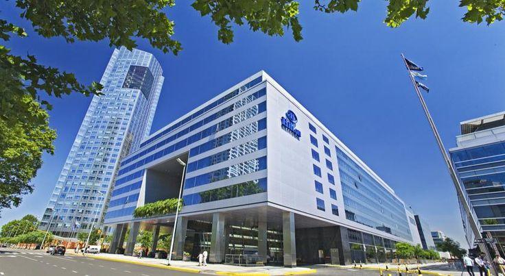 泊ってみたいホテル・HOTEL|アルゼンチン>ブエノスアイレス>プエルトマデロの中心部にあり、Women's Bridgeからわずか400m>ヒルトン ブエノスアイレス(Hilton Buenos Aires)