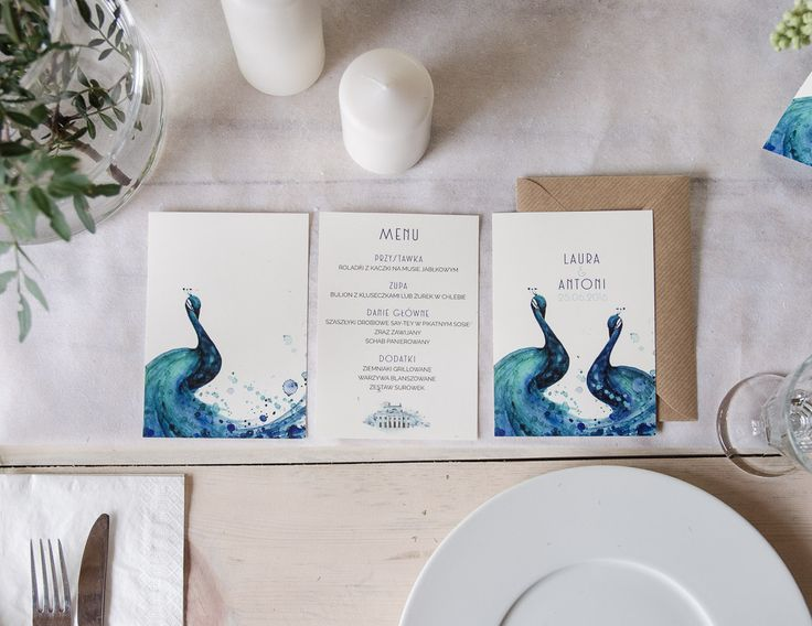 Wedding stationery with peacock www.zonamodna.com
