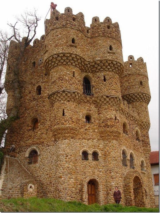 Castillo-de-La-Cueva-Cebolleros-Burgos-Spain