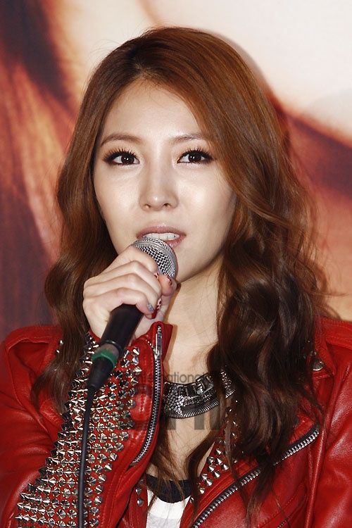 This is what I call sweet and gorgeous. #BoA @Here I am at her very first live concert in Korea #kpop #KPOP #SM #HereIAm