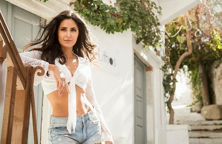 Hot dream girl beauty queen Katrina Kaif