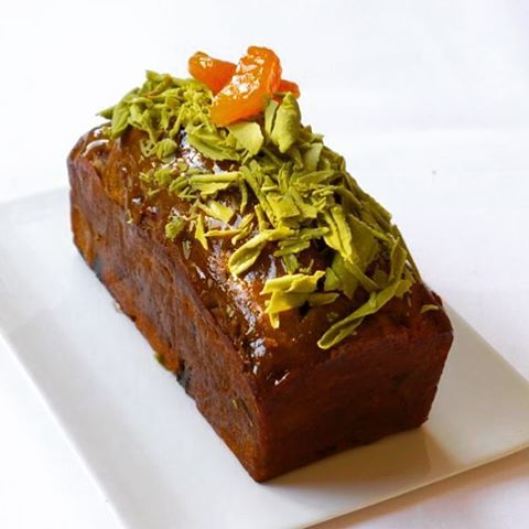 Matcha tea&dry abricot. The recipe by Gaetan Paris, the previous one is by Hans Ovando. Продолжаем сравнительный анализ,- категория кекс с чаем матча и курагой. צום קל וגמר חתימה טובה! #tea  #sweets  #pastryPassion  #boulangerie  #pastrychef  #bakery  #croissant  #chefsroll  #chefstalk  #chocolate  #cake  #cakeart  #gouter  #gourmet  #gargeran  #gastroart  #desserts  #dessertporn  #instafood  #Israeli_kitchen  #foodies  #foodporn  #foodStyling  #pastry  #pâtisserie  #pastryschool…