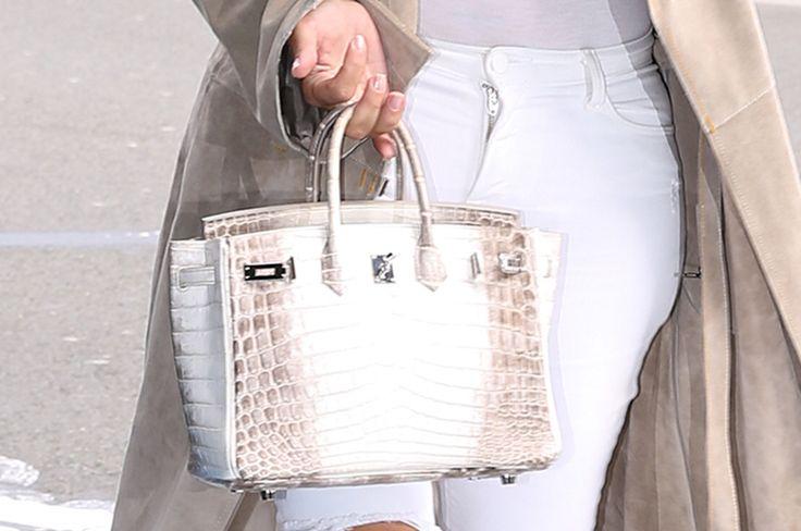 キム・カーダシアンが強盗に遭ってもソーシャルメディアを止められない理由|メンズファッションニュース|GQ JAPAN