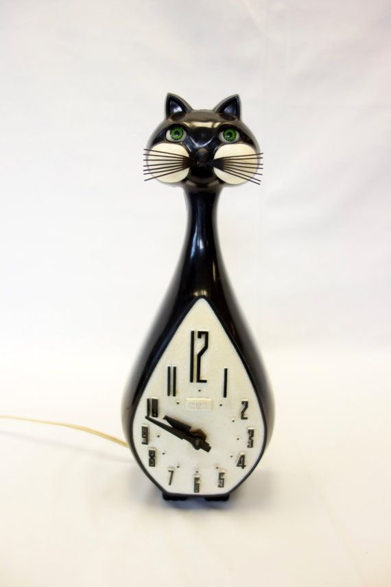 Antique Black Cat Clock With Moving Tail