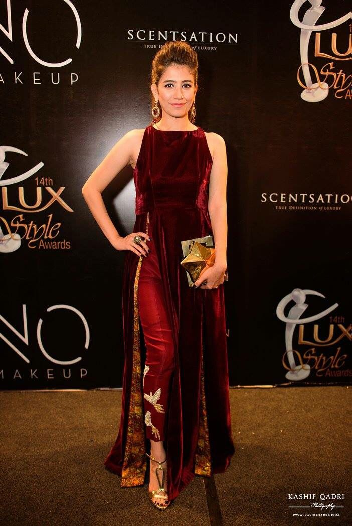 Syra Shahroze in sania maskatia at LSA 15 STUNNING