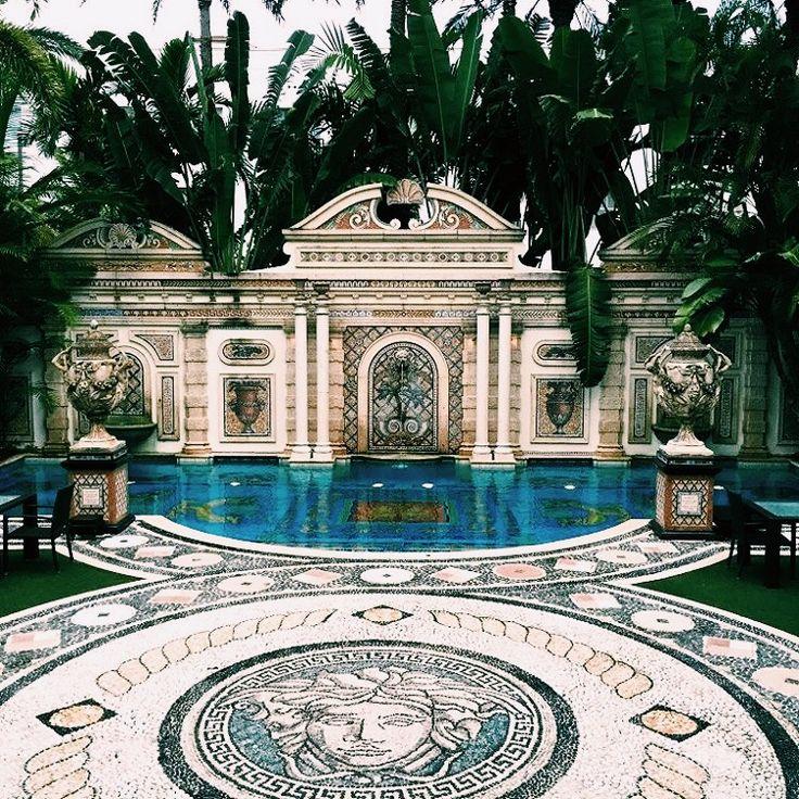 Versace Mansion in Miami #modernmansionideas
