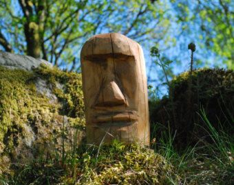Chainsaw Carved Moai Easter Island Head от Greensmithcarving