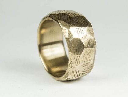 Wide faceted ring in Bronze