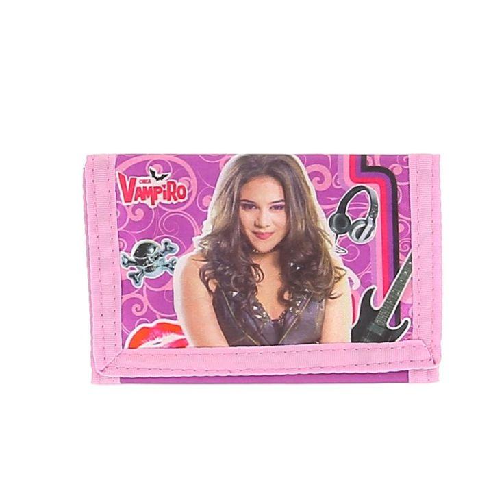 Porte feuille Chica Vampiro  Portefeuille Chica Vampiro en satin, fermeture par scratch, 3 compartiments.  Fermeture éclaire au dos avec tirette personnalisée avec le logo Chica Vampiro.  Parfait pour mettre son argent et ses papiers.