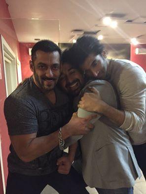 Check out! Salman Khan with Aditya Roy Kapoor and Rannvijay Singh.