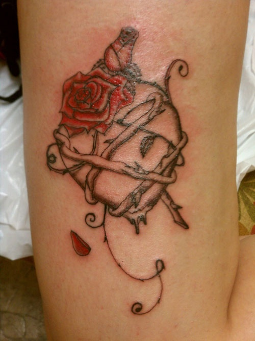 Tattoo i did heart with a rose and thorns wrapped around for Rose with thorns tattoo