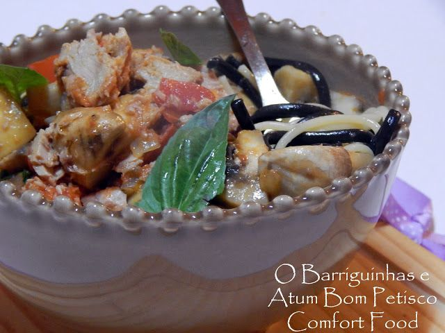 ´Comfort Food Bom Petisco´ - Spaghetti Branco e Negro com Atum, Cogumelos e Manjericão