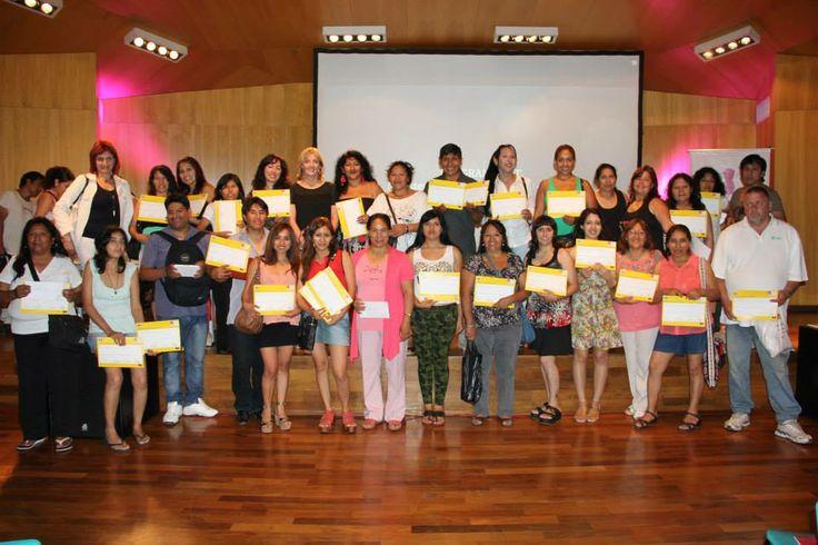 la Escuela de Diseño y Moda Donato Delego entrególos diplomas del Programa F.I.T (Formación de Inclusión al Trabajo)  a todos los alumnos que cursaron durante el año lectivo 2013,