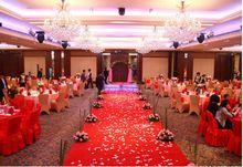 1000 stks bruiloft accessoires kunstzijde bloem rozenblaadjes bruiloft en party verjaardag decoratie 52 kleuren voor kiezen(China (Mainland))