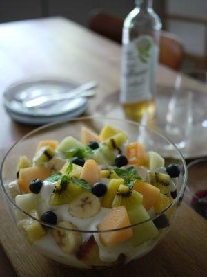 「簡単デザート☆トライフル」気軽に作れる簡単スイーツ☆トライフル♪季節のフルーツとカスタードクリーム、生クリーム、スポンジ、ジャムを重ねて作ります♪【楽天レシピ】