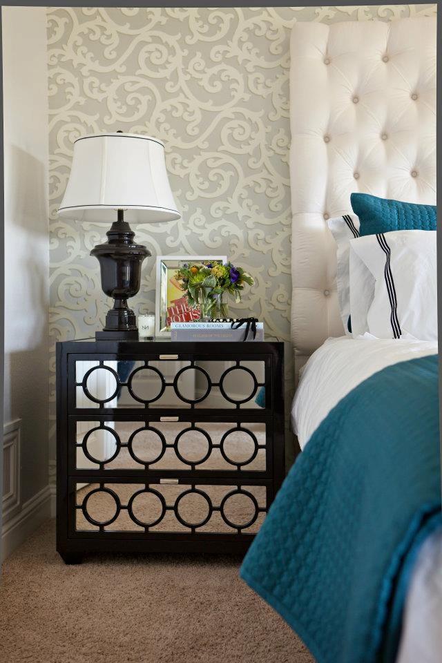 19 best images about damask wallpaper on pinterest for Neutral bedroom wallpaper