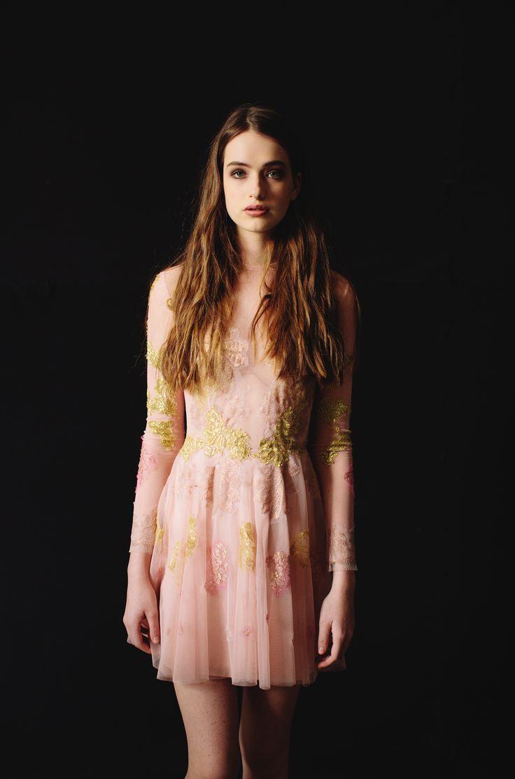 Nora Sarman / Photo Pinewood Weddings / dress Barbie