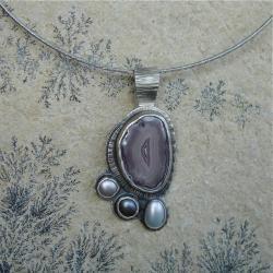 wisiorek z agaten,pastelowy - Wisiory - Biżuteria