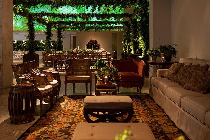 Lounge ambientado na essência da Elegância Complements