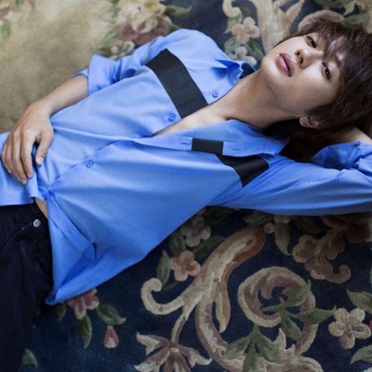そしてそして、ただいま発売中のNumeroでは西島隆弘君撮らせてもらってます 彼は底なし沼のような魅力がありますね! もっともっととってみたい(^ν^) #Numero #ハダカの男 #10月号