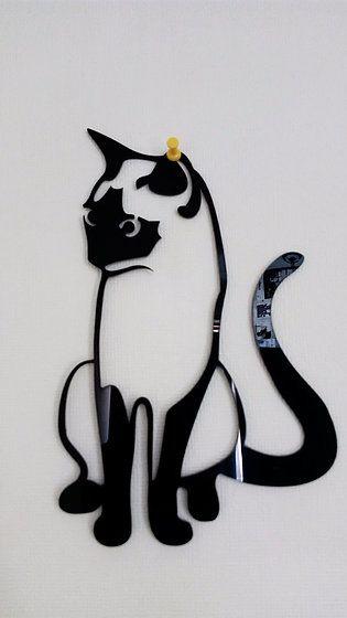 cuadro de gato siamés en acrílico negro corte láser