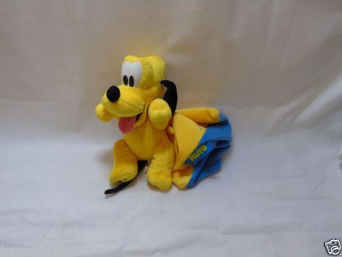 DisneyLand-paris-12-Pluto-And-Cape-SofT-Toy-PLush-Walt-Disney-Resort-Paris