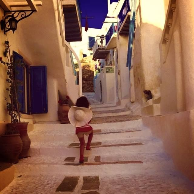 A #restful #Monday #afrernoon starts and this #cute little #kid wants to explore every single corner..  #childhood #memories #exploration #hapiness #fun #love #happy #beautiful #summer2015 #goodtimes #kalua #moments #Greece #Mykonos #Kaluamykonos #life