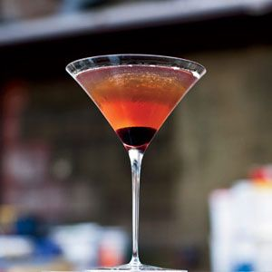 How to Make a Classic Manhattan Cocktail | Libation Celebration | Pin ...