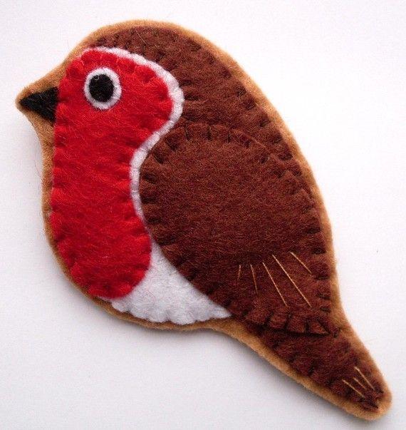 from my wishlist on Etsy, bloody cute brooch.