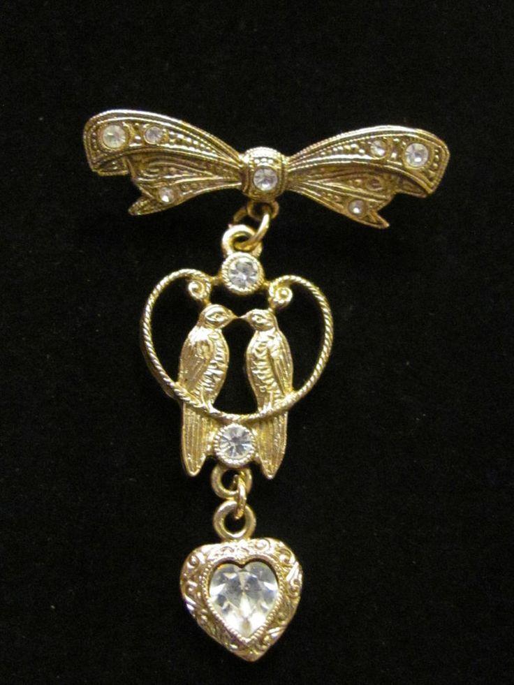Vintage 1928 Jewelry Company Parrots Lovebirds Heart & Bow Brooch Pin ~ Birds #1928