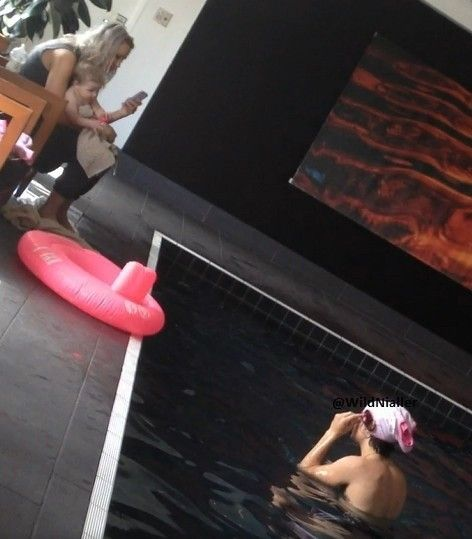 Baby Lux, Lou Teasdale and Harry Styles<3