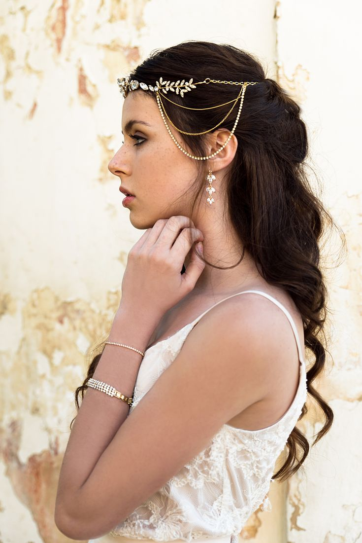Helen & sienna bridal -bohemian gold bridal headpiece with sprinkling swarovski, for your big day, this glorious headpiece will make you feel like a goddess on your wedding day.  Handmade in 24 karat gold plated brass, Nickel free Crystals from Swarovski two-way design (can be worn from the back or front) and perfectly adorns a range of bridal hairstyles -Wedding jewelry