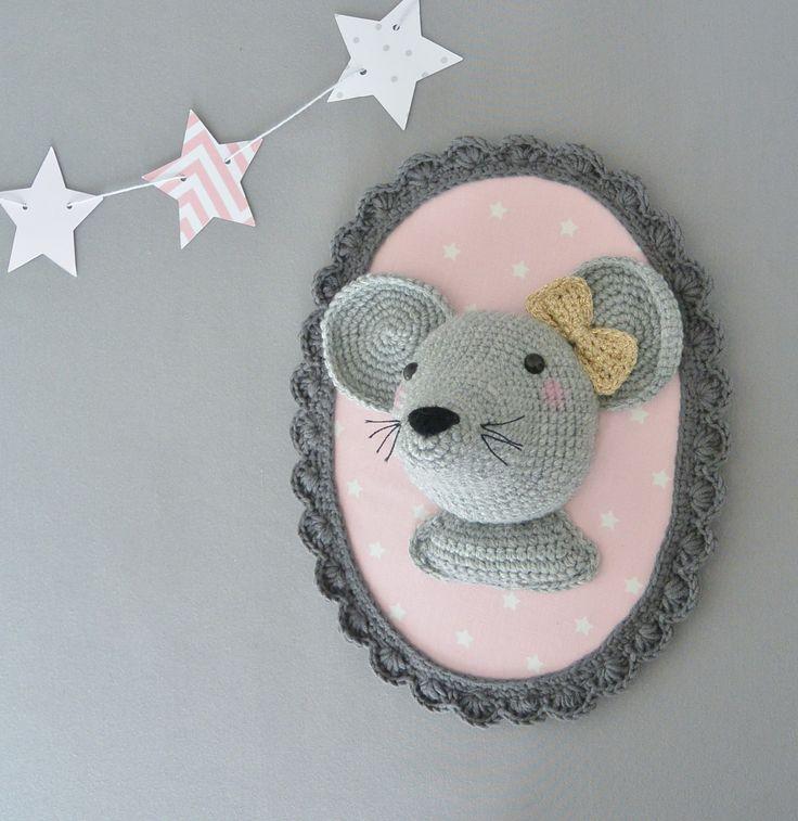 Trophée souris gris/rose au crochet fait main : Décorations murales par ligne-retro