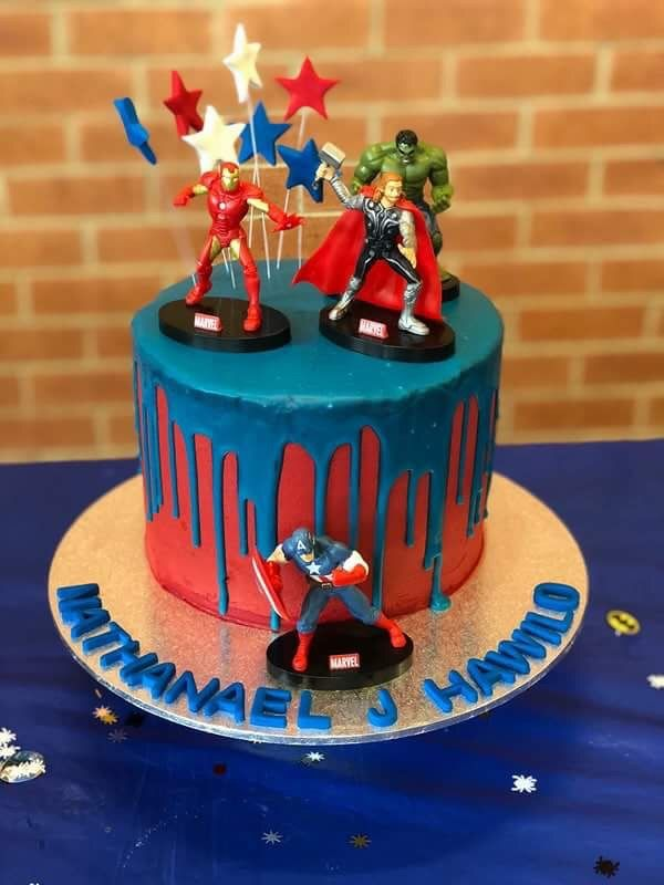 Super Heroes cake (Avengers Assemble!!)