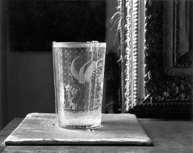 Louise Lawler - A DRINKING GLASS 1989/1990