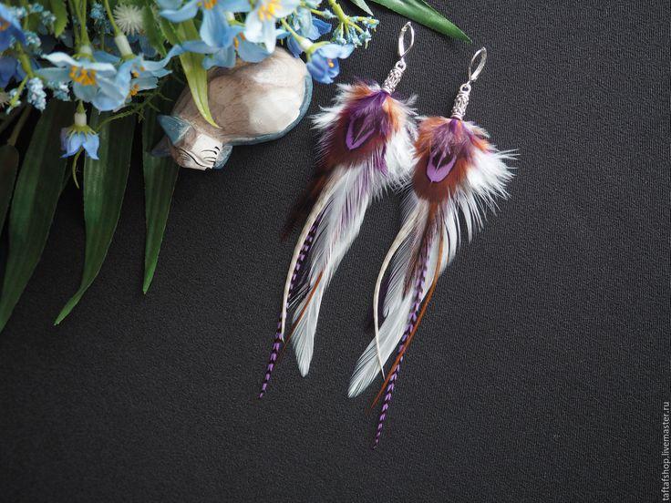 Зимняя вишня - необычные серьги с натуральными перьями в стиле бохо - серьги с перьями