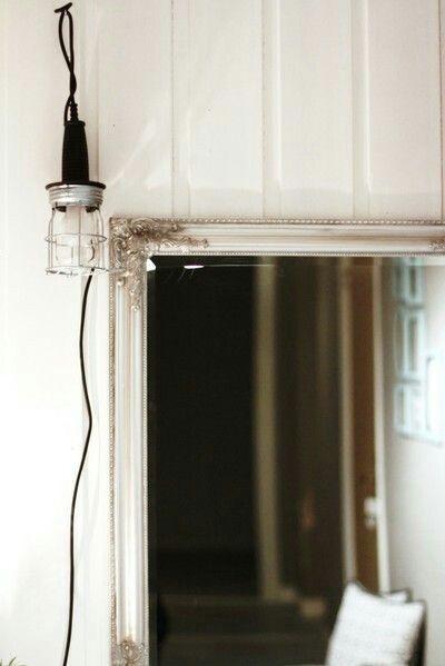Lampa från Clas Ohlson blir en perfekt selfielampa i hallen! Industri, inredning, stål