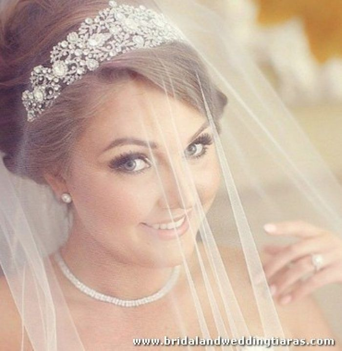 25+ Trending Wedding Tiara Veil Ideas On Pinterest | Wedding Tiara Hair Wedding Veils And Veils
