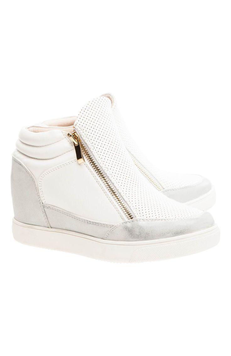 Buty na koturnie marki HAVE2HAVE, 239 zł na http://www.halens.pl/moda-damska-obuwie-5807/buty-570585?imageId=385891&variantId=570585-0002
