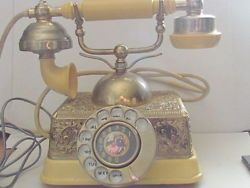 Vintage French Victorian Princess Style Rotary Phone Made in Singapore
