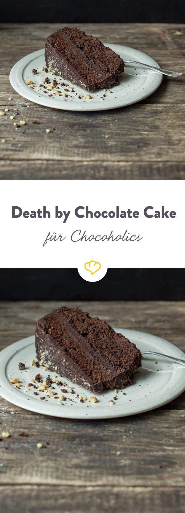 Dieser sündhaft gute Kuchen stammt aus den USA und beruht auf der Kombination unterschiedlicher schokoladenhaltiger Zutaten.