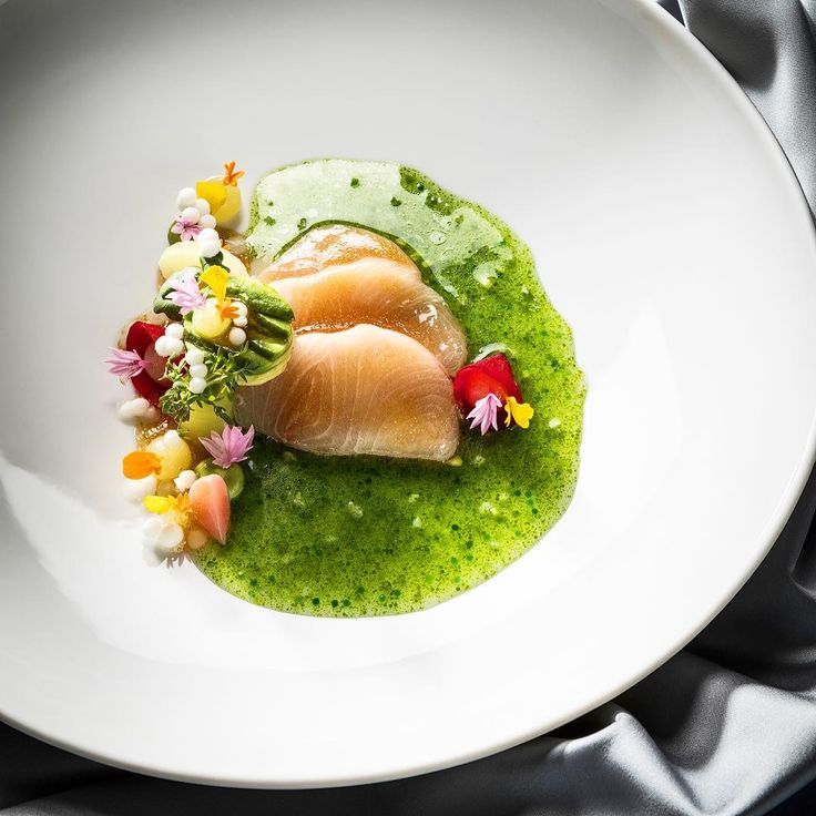 Hamachi 'Sashimi' with avocado, daikon, citrus & jalapeno by Three-Starred Michelin Chef @christianbau by @lukaskirchgasser_fotografie Join our Cookniche community for chefs, food lovers, enthusiasts, photographers, food designers and all those who work with and around food Direct link in bio.