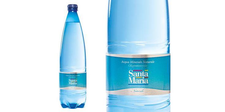 Restyling del packaging dell'acqua minerale Santa Maria linea ristorazione