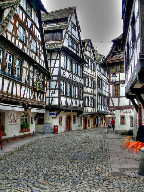 26 best images about half timbered houses on pinterest the old timber house and england. Black Bedroom Furniture Sets. Home Design Ideas